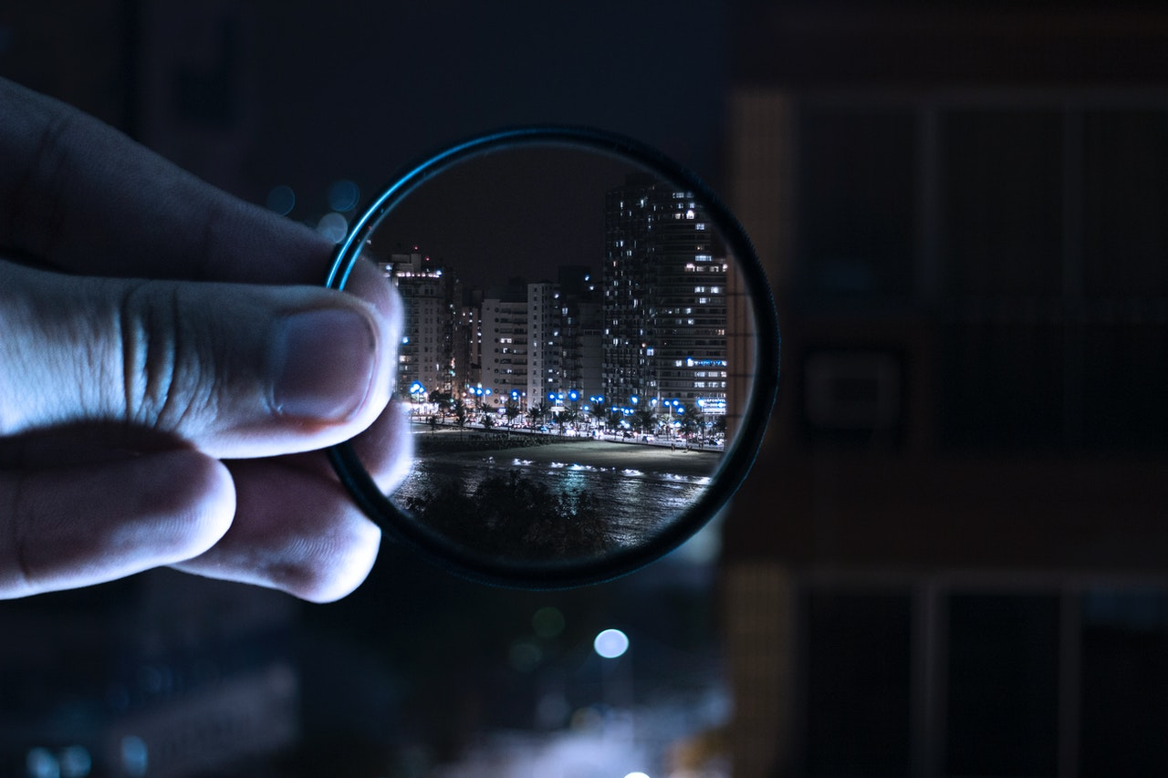 Magnifying city