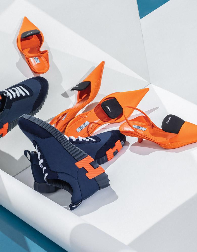 El Libro Amarillo - zapatos Prada _ tenis Hermès