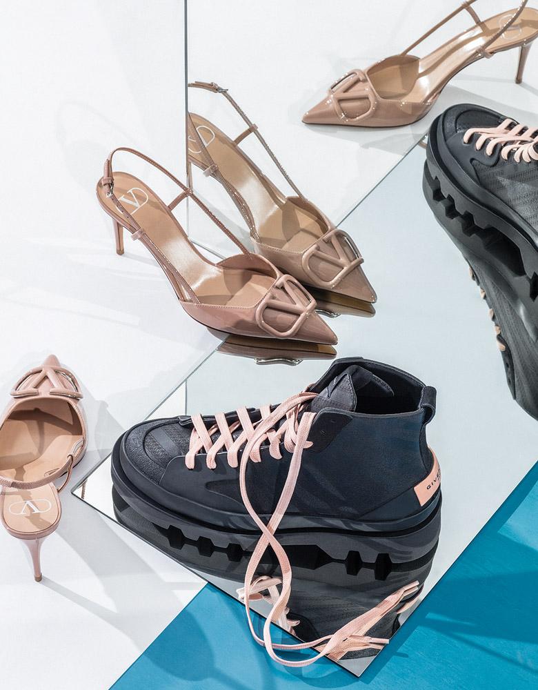 El Libro Amarillo - zapatos super v Valentino _ botas Givenchy