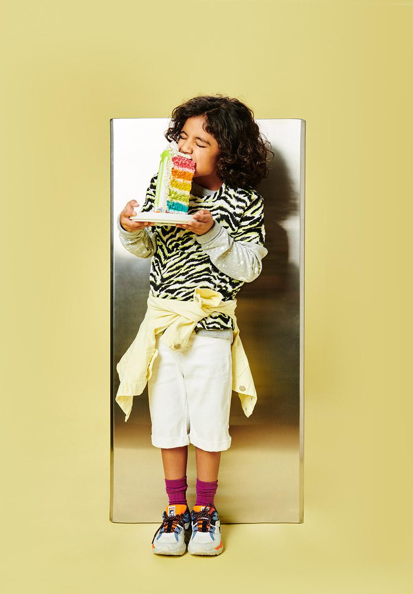 El Libro Amarillo - playera y chamarra Catamaran Teens _ sudadera y bermuda Catamaran Kids _ calcetines Punto Blanco _ tenis Fila