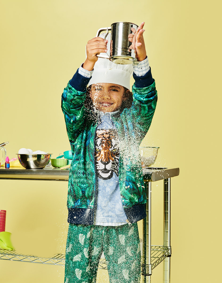 El Libro Amarillo - sudadera, playera, camisa  y pants  Catamaran Kids tamizador para harina, Patisse