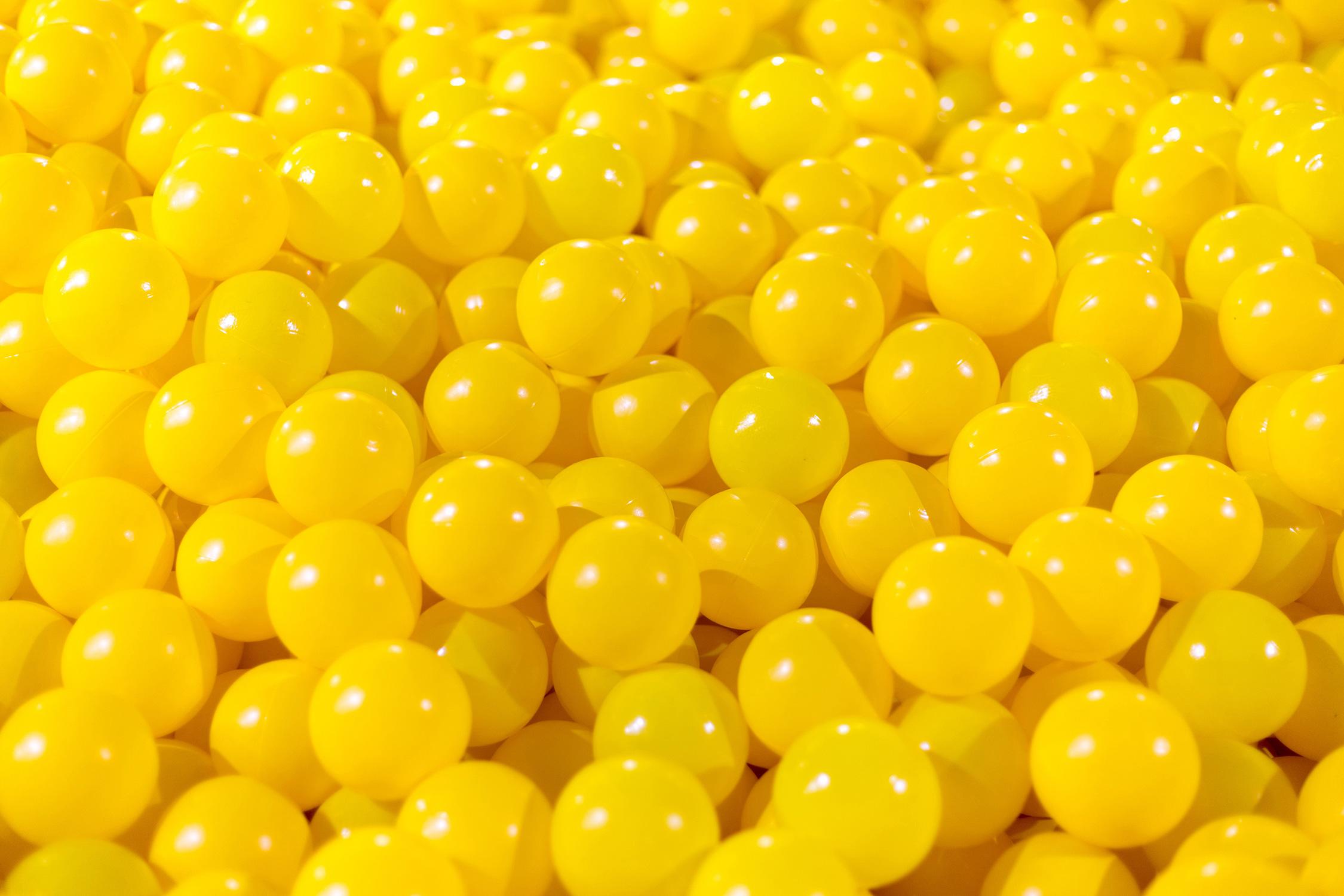 El Libro Amarillo Tendencias de Color Primavera 2021 Amarillo globos amarillos