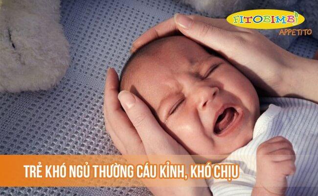 Trẻ khó ngủ thường cáu kỉnh, khó chịu hơn trẻ bình thường