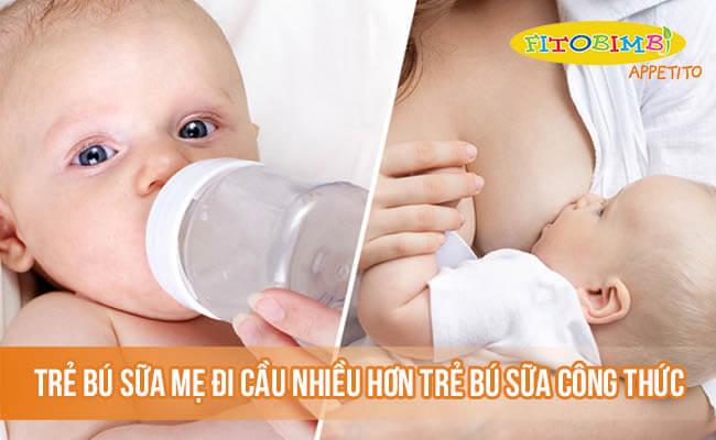 Trẻ bú sữa mẹ có tần suất đi cầu nhiều hơn so với trẻ bú sữa công thức