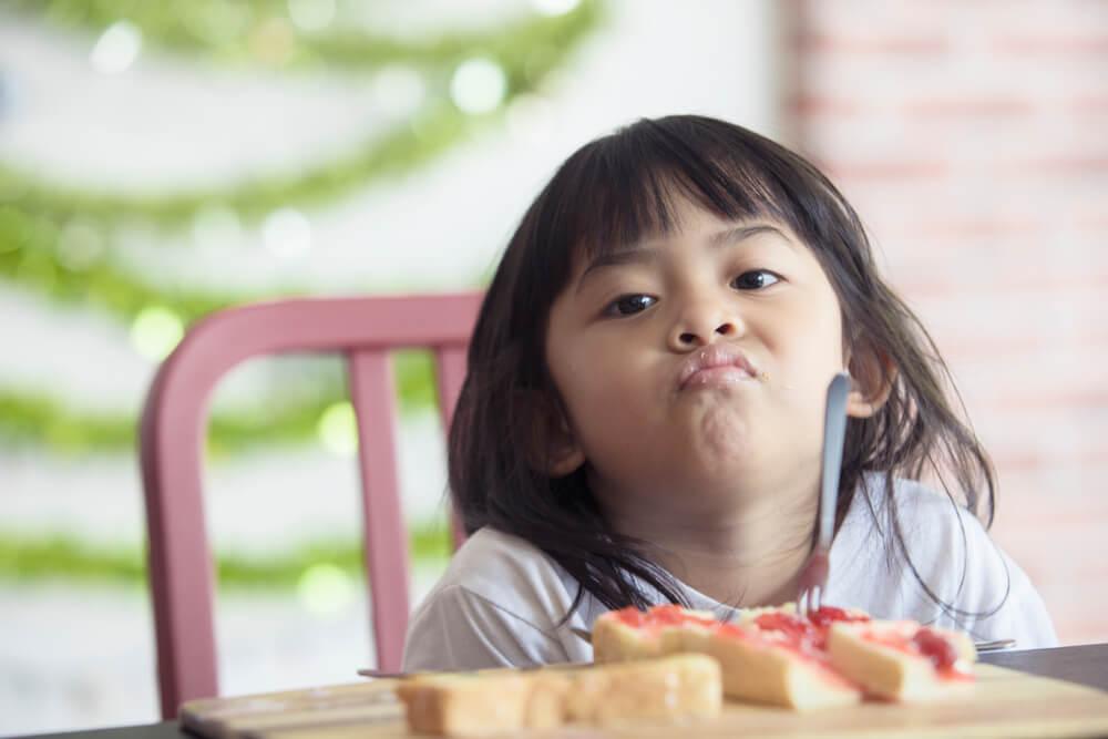 trẻ bị rối loạn tiêu hóa biếng ăn
