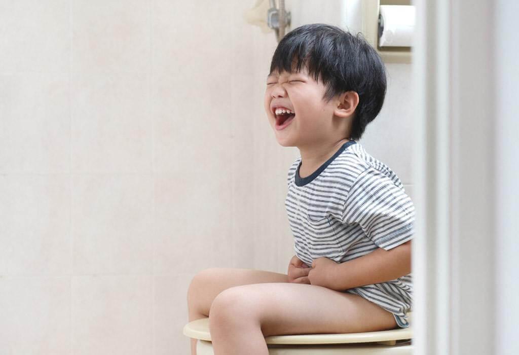 Không ăn đủ chất xơ khiến trẻ thường xuyên bị táo bón