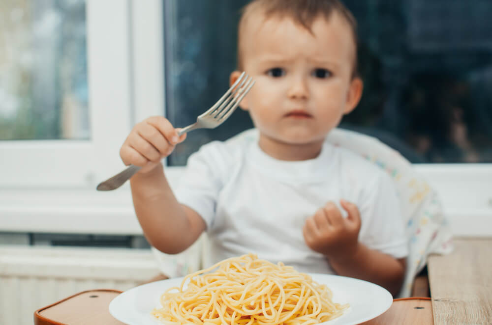 nguyên nhân khiến trẻ 12-16 tháng biếng ăn
