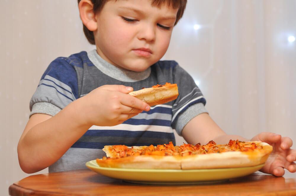bé 5 tuổi biếng ăn chậm lớn