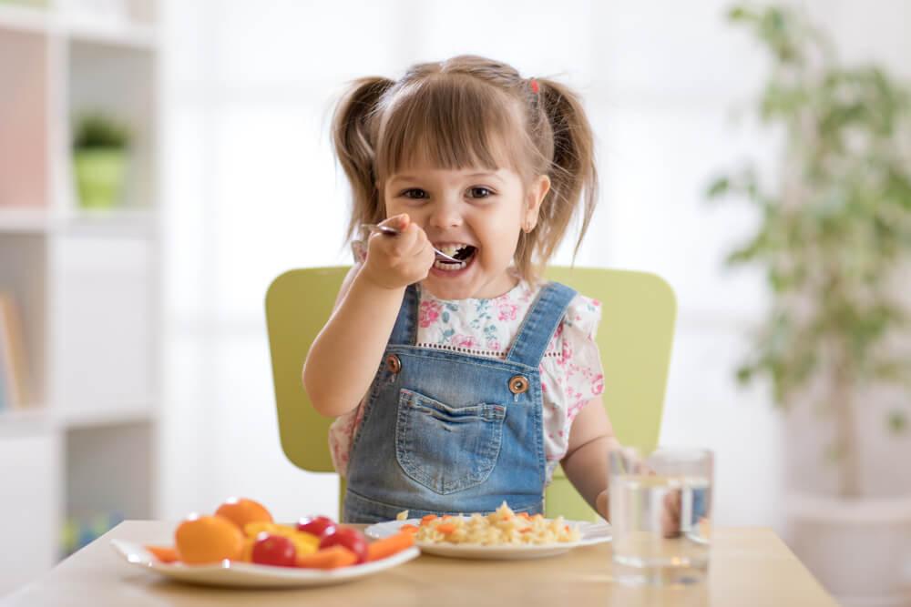 cách trị biếng ăn cho trẻ 2 tuổi