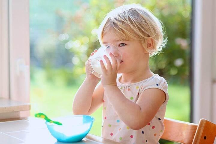 Tăng cường bổ sung sắt và canxi cho trẻ 18 tháng, đặc biệt ở những bé lười ăn
