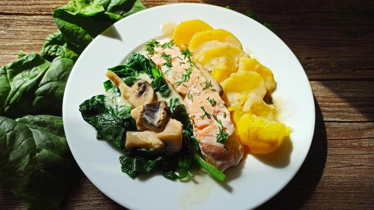 Cá hồi áp chảo sốt nấm đầy đủ dinh dưỡng, thơm ngon và béo ngậy