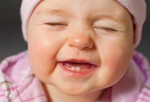 Trẻ thường ăn ít hoặc không chịu ăn khi đang mọc răng