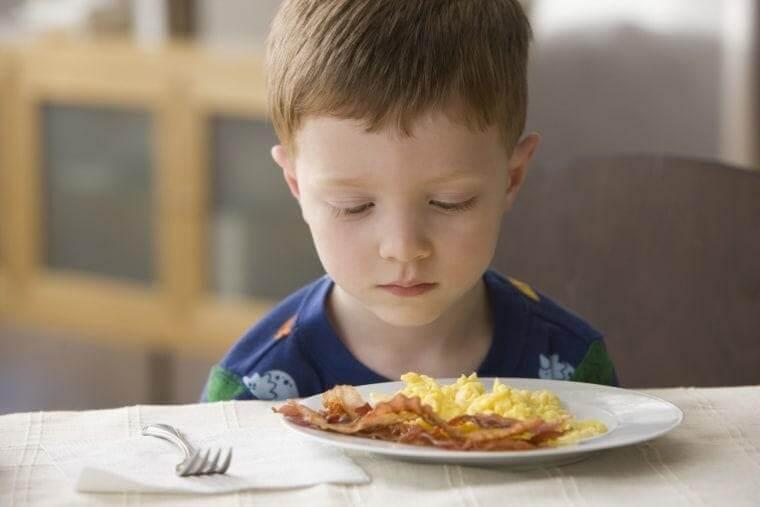 trẻ 3 tuổi biếng ăn suy dinh dưỡng