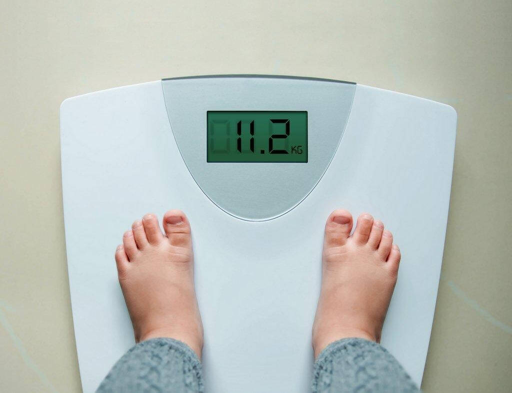 Theo dõi cân nặng của trẻ 1 tháng/ lần