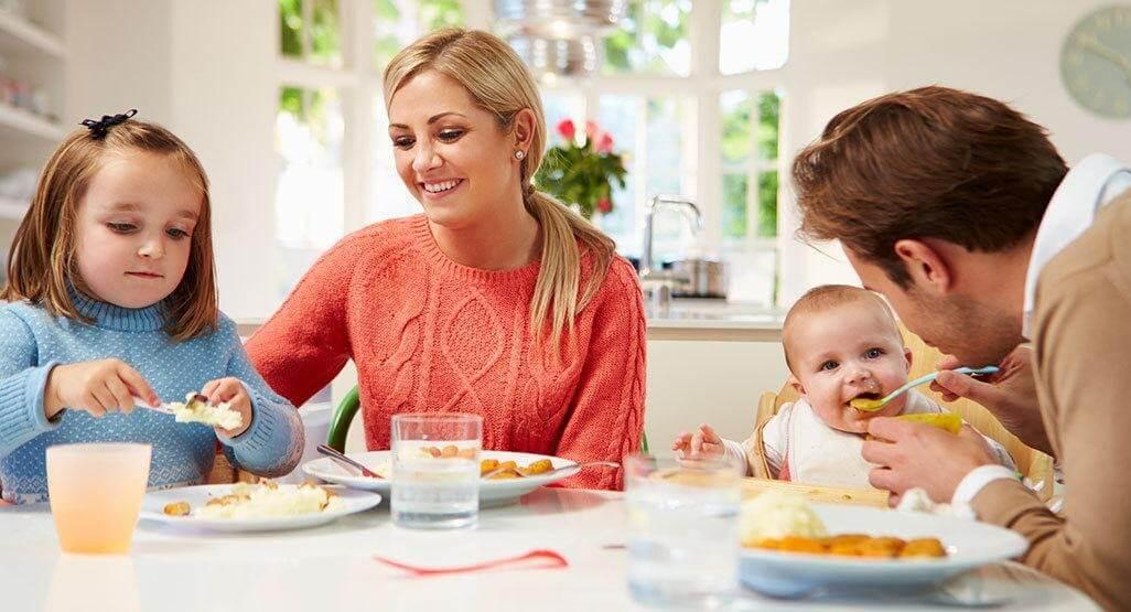 Trẻ ăn được nhiều hơn và ngon miệng hơn khi ăn cùng cả gia đình