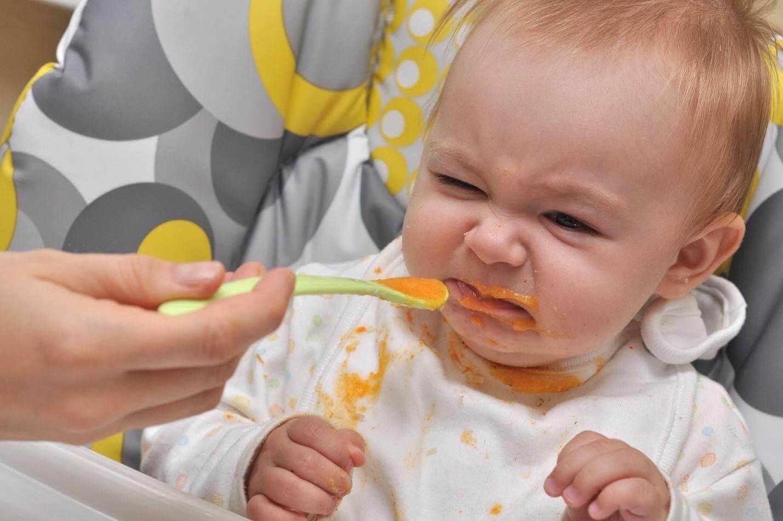 bé 8 tháng không chịu ăn bột