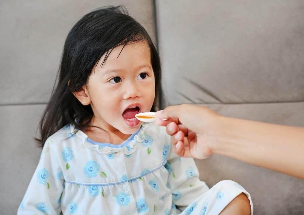 Bố mẹ nên mua thuốc gì giúp bé ăn ngon miệng hơn?