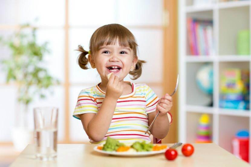 trẻ 4-5 tuổi biếng ăn