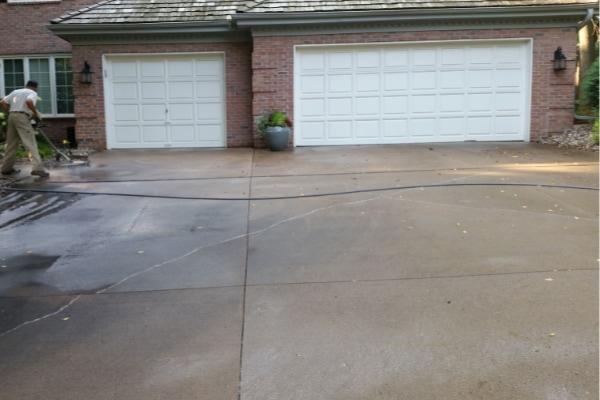 Residential Driveway Pressure Washing Service