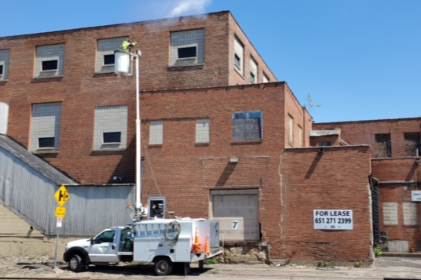 commercial pressure washing brick building