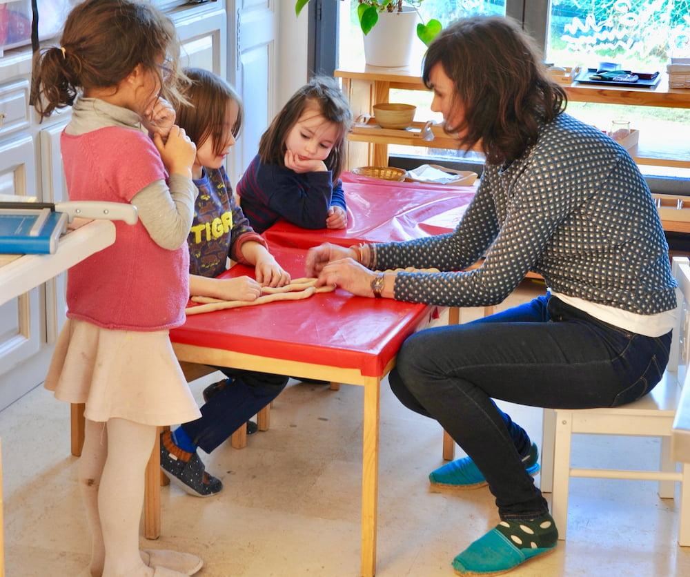 Accompagnement, pédagogie Montessori