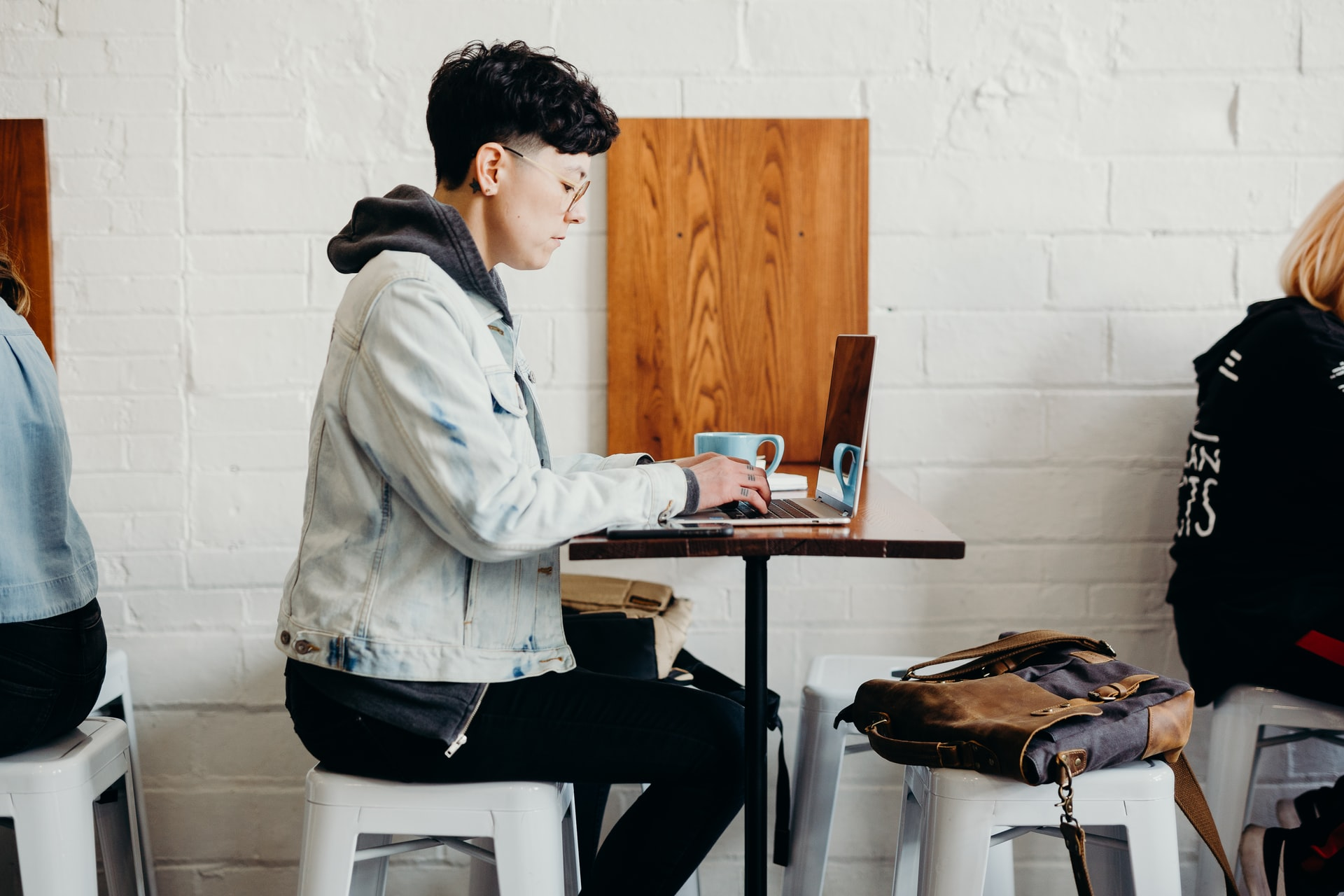 A medical student working in a cafe