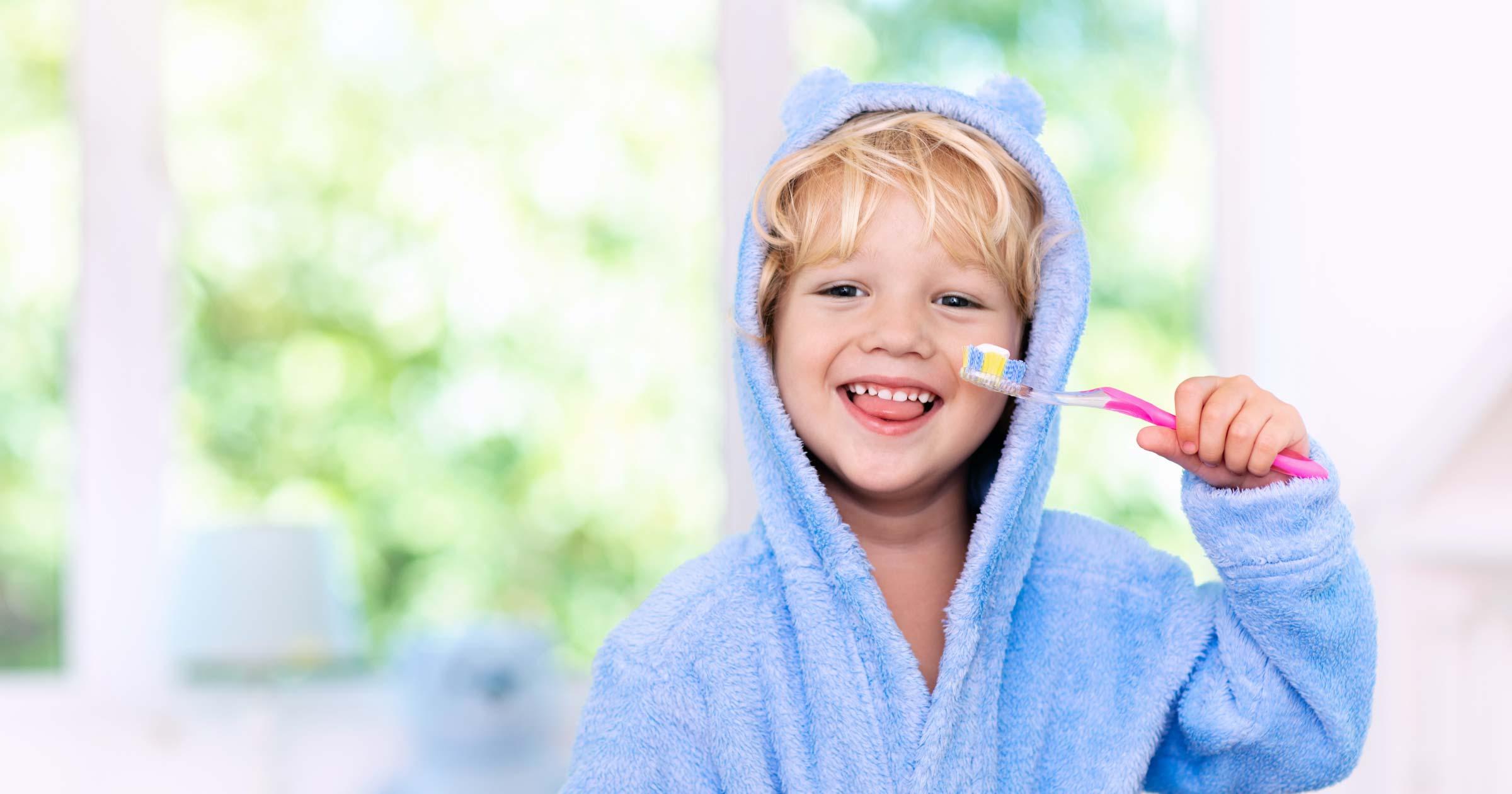 Richtiges Zähneputzen beim Kleinkind - so klappt es!