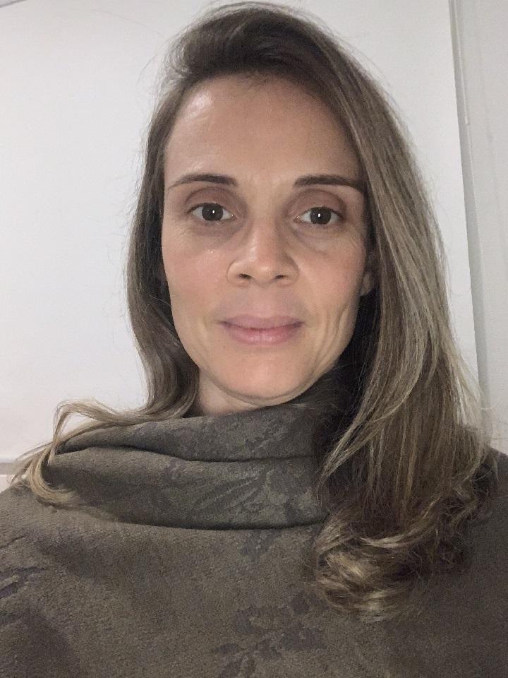 Elisangela Ferreira