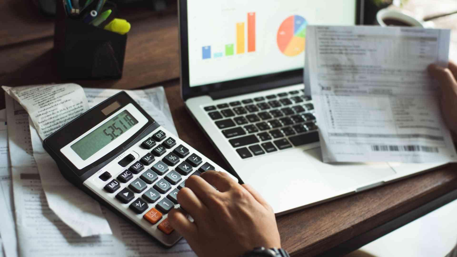 Combien coûtent les arrêts de travail liés aux TMS dans la grande distribution ?