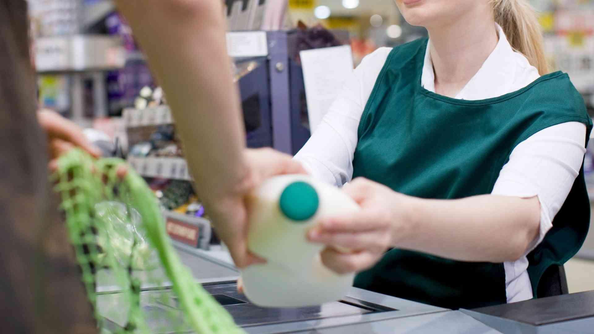 4 astuces à mettre en place immédiatement pour réduire les arrêts de travail dans votre hypermarché