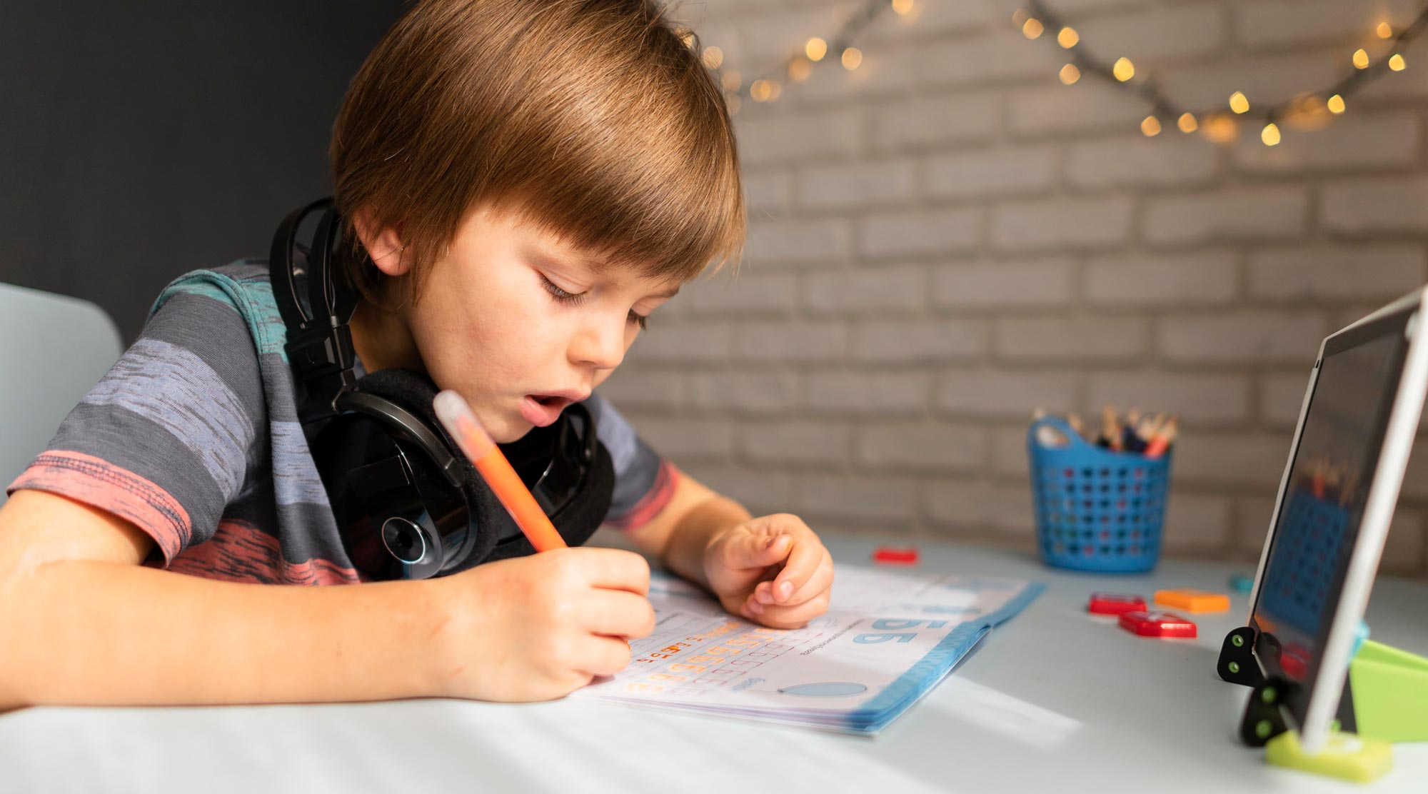 We few hands-on tips and tricks to help your kid ease into and enjoy remote learning through virtual school.