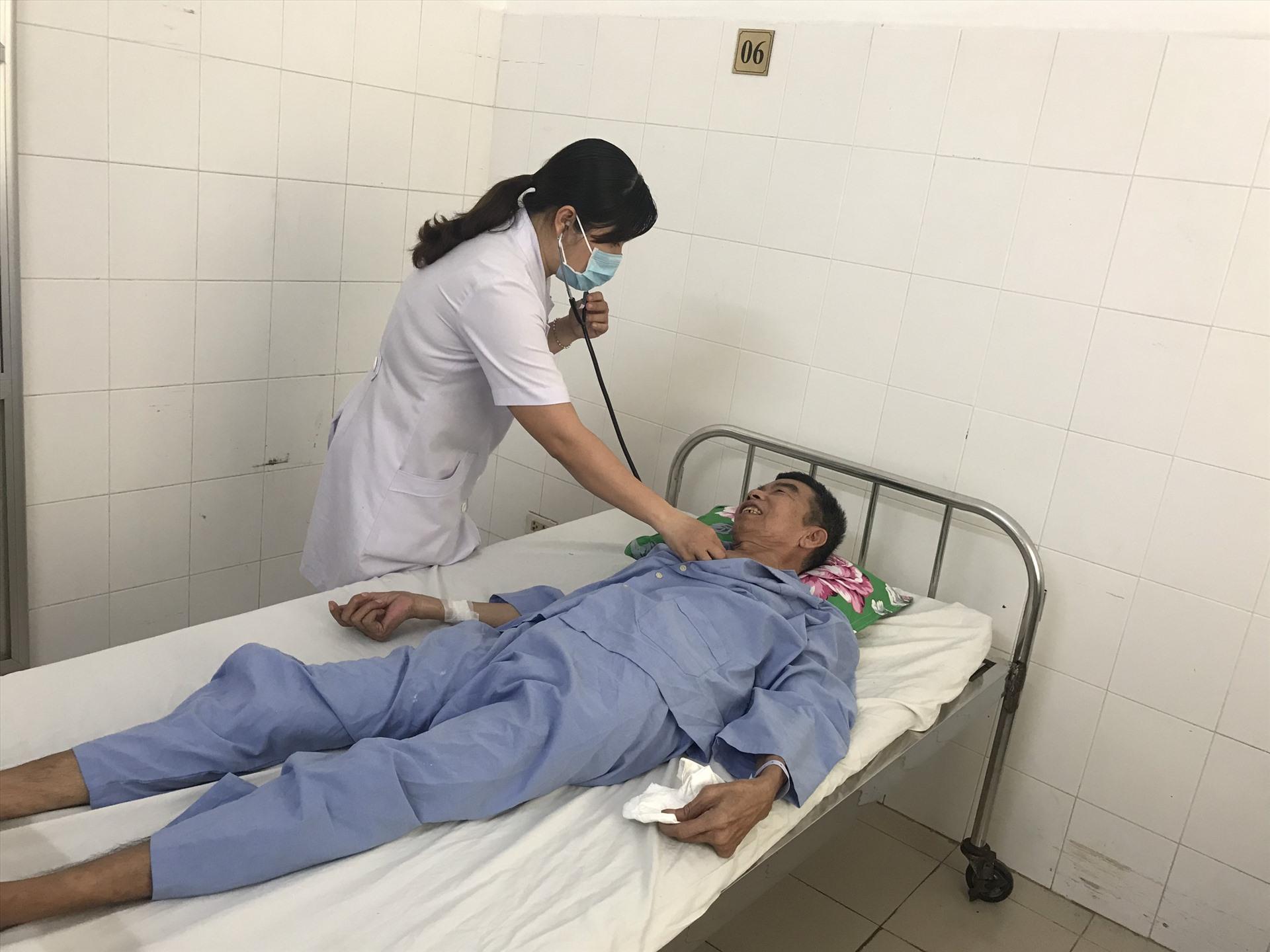 Tinh trạng sức khỏe của bệnh nhân sáng ngày 25.6 đã phục hồi: không sốt, đã giảm đau vùng cổ,....Ảnh: BVCC