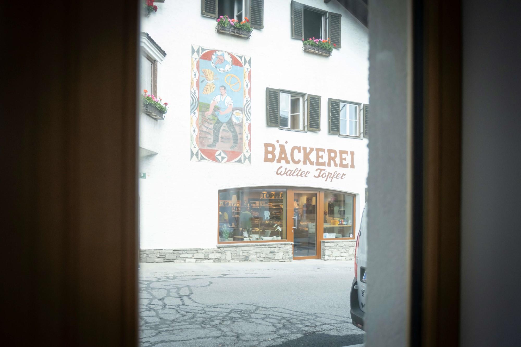 Blick aus dem Fenster hinüber zur Bäckerei Töpfer.