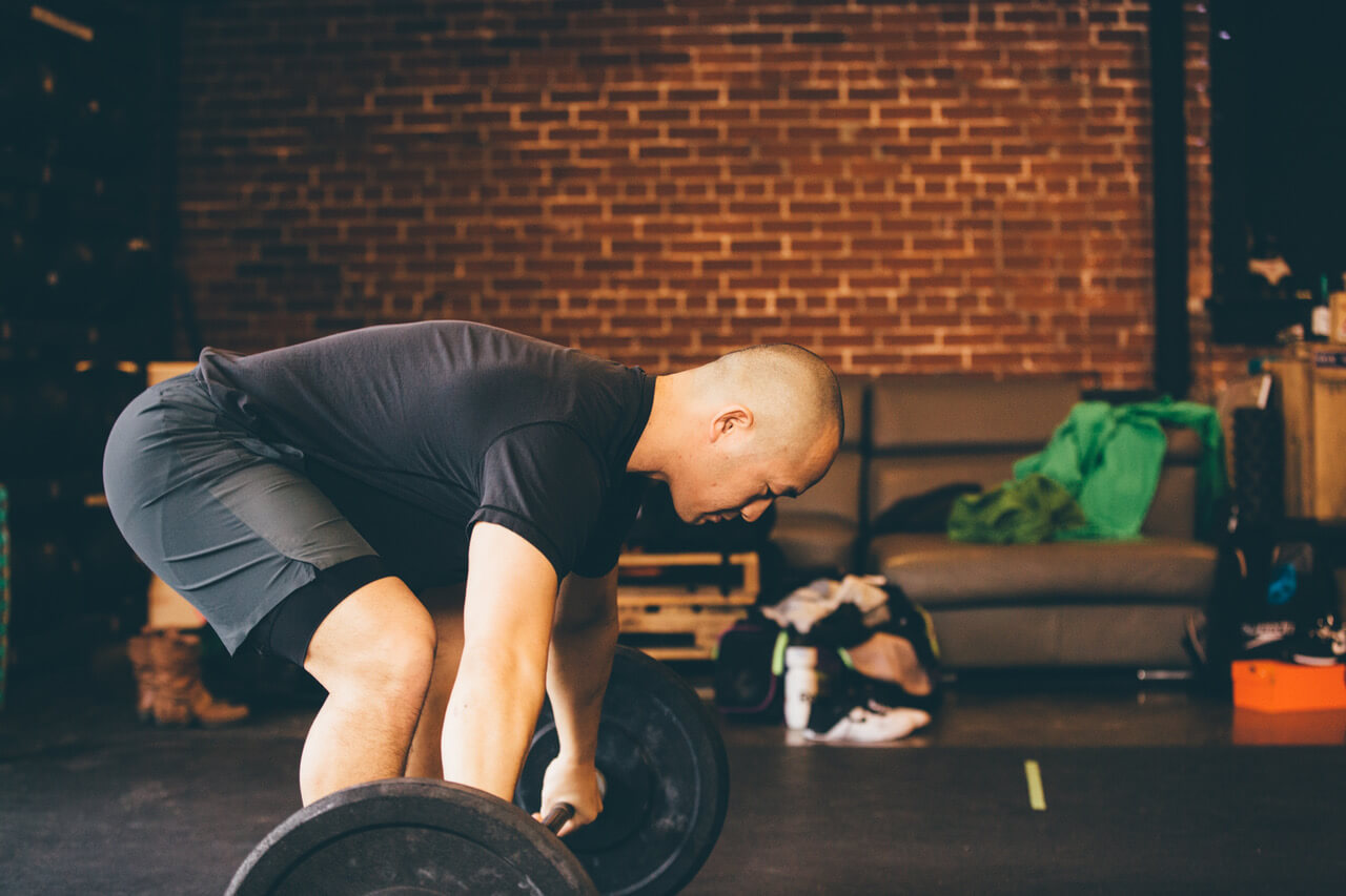 Crossfitter lifting as part of a new years resolution