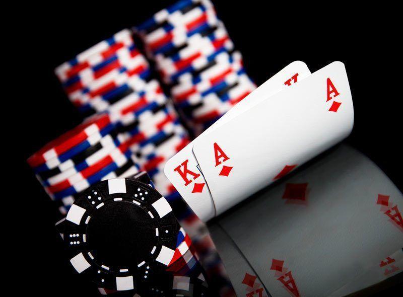 Kejadian Tidak Terduga Main PKV Game QQ Poker Bluffing