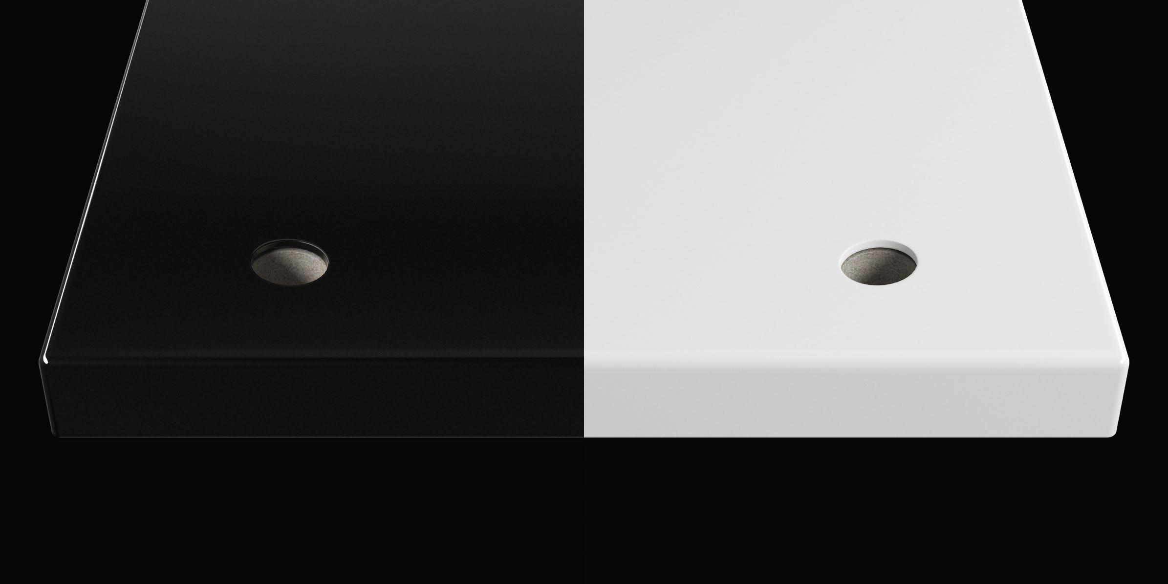 tRACK-Regal Oberfläche in schwarz und weiß.