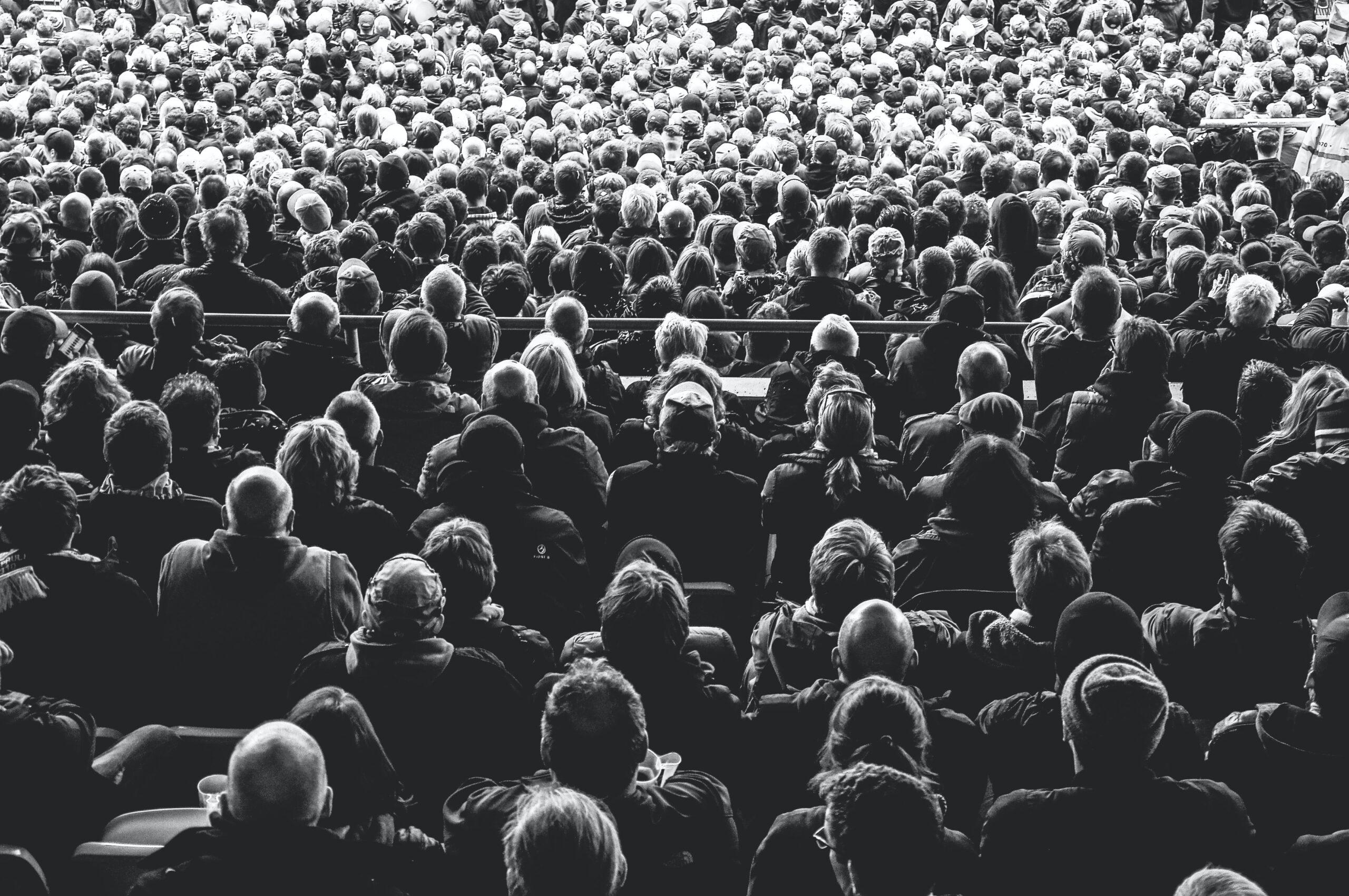 An unthinking crowd
