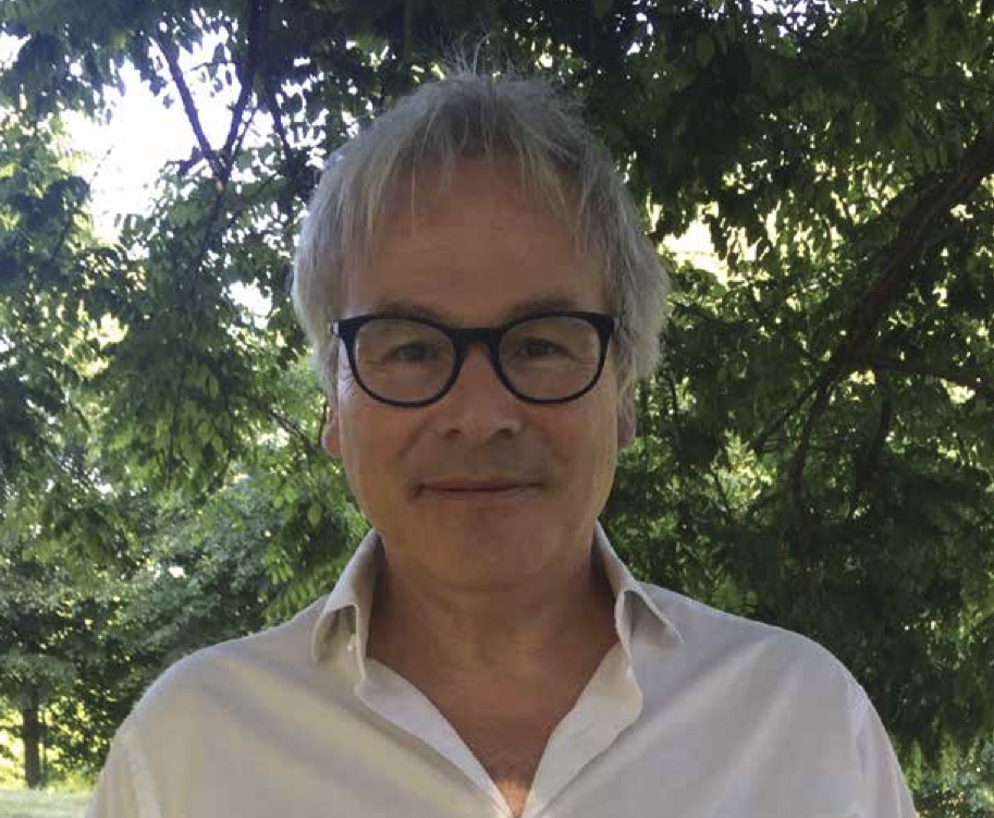 Stephen Walker author of BEYOND, profile picture.