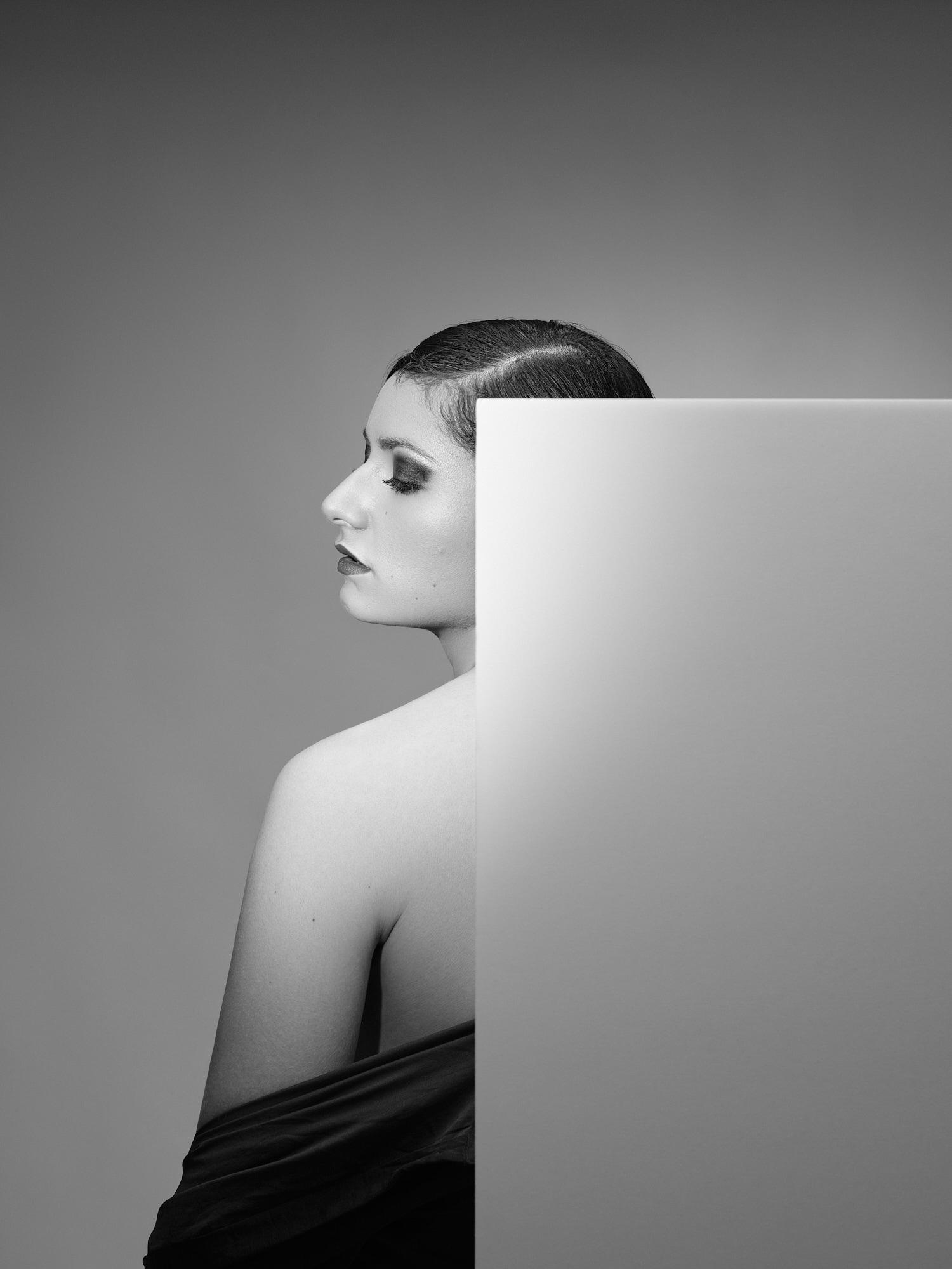 Portrait in studio of Jade Codino for the art series Contrast