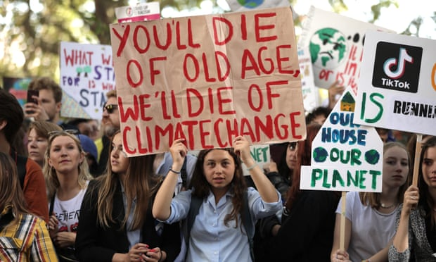 Labour risks loss of young voters by 'going backwards' on climate