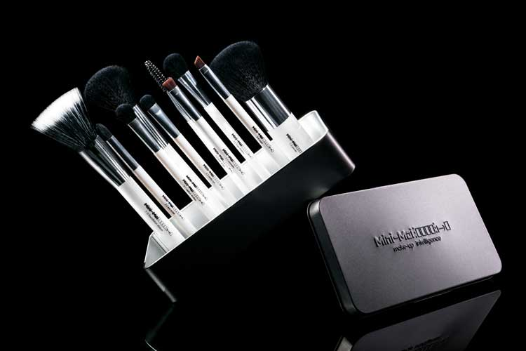 Product image of makeup brushes - Vivid Flow Studio