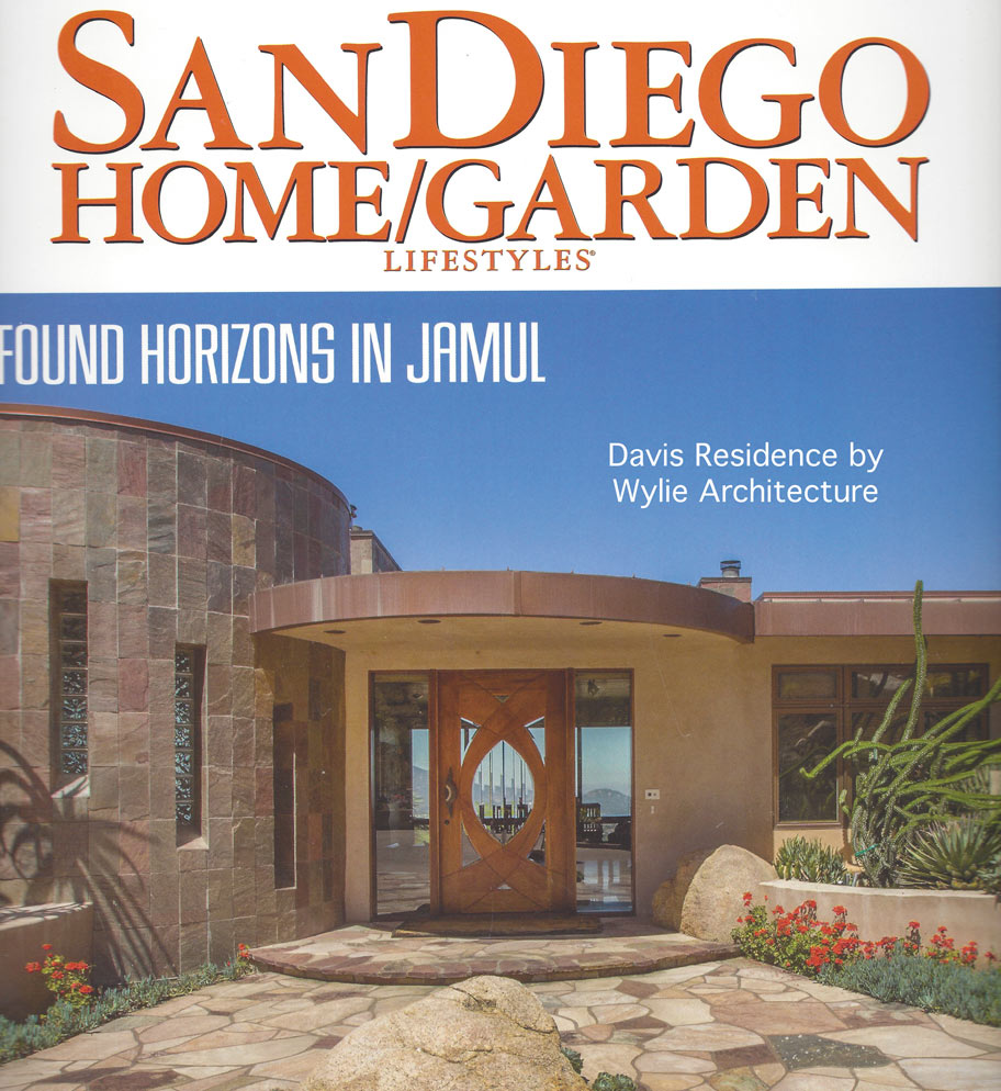 The Davis Residence made the cover of San Diego Home/Garden Lifestyles magazine's January 2015 issue.
