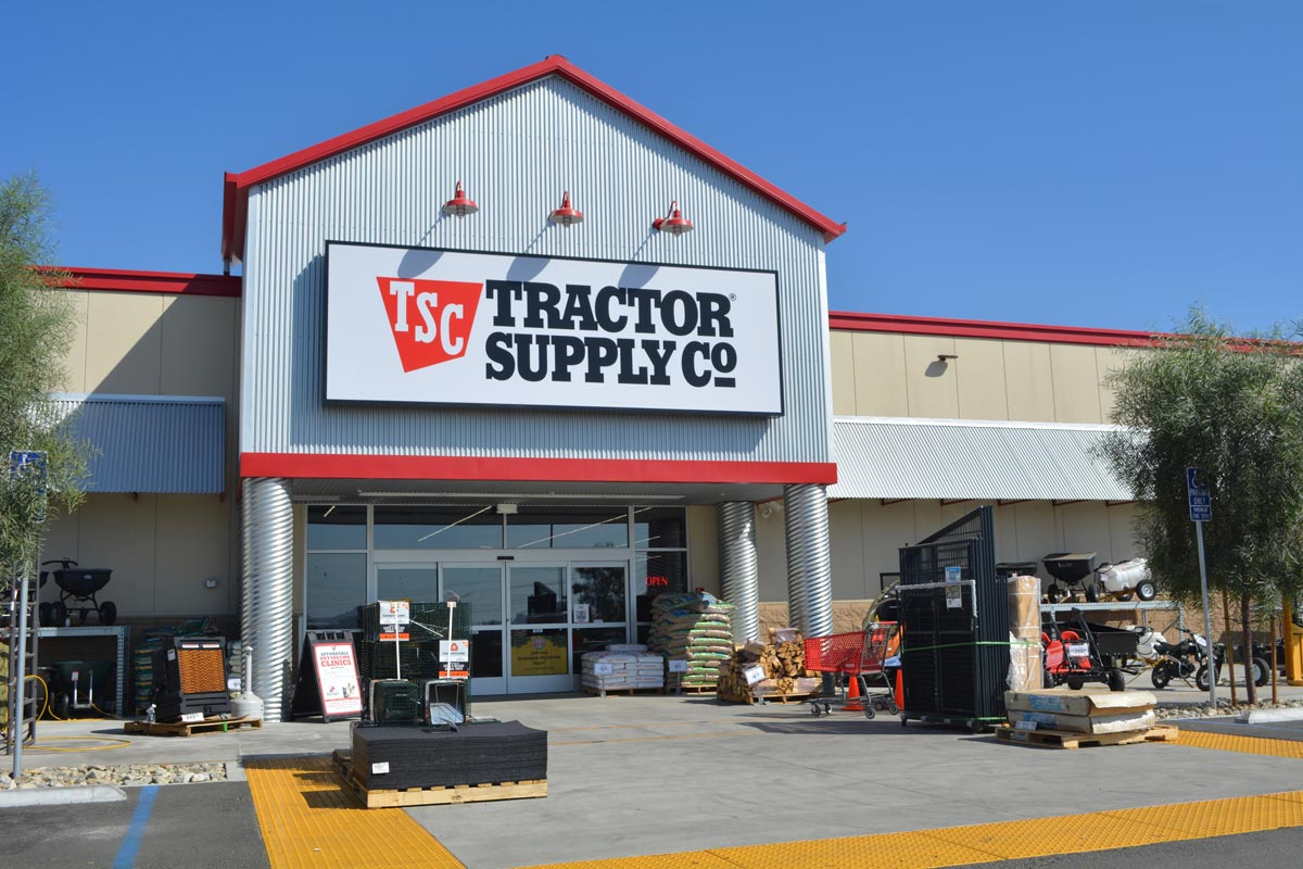 Tractor Supply Co. Lakeside