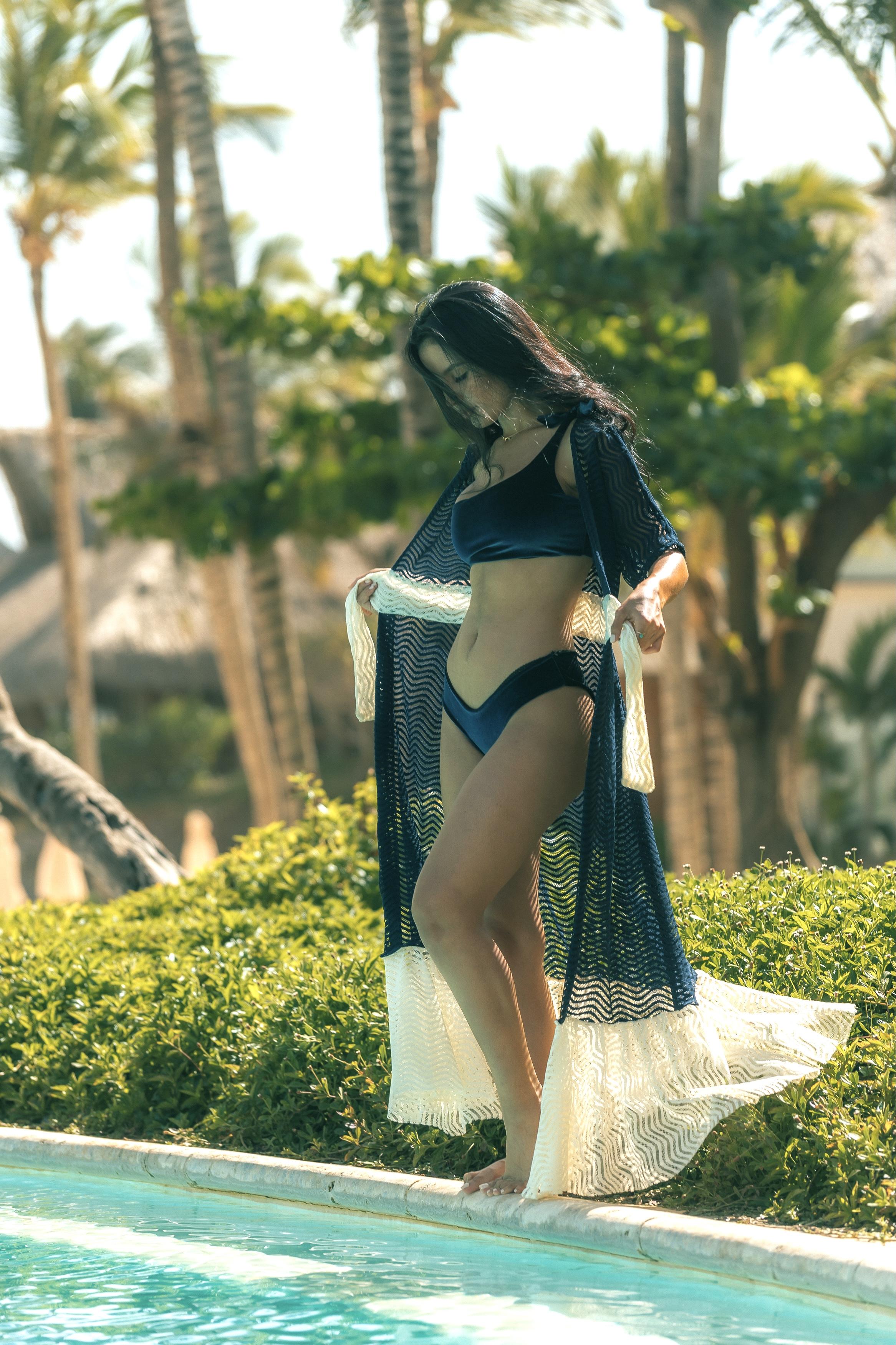 Blue velvet classic-waist Capri Bikini