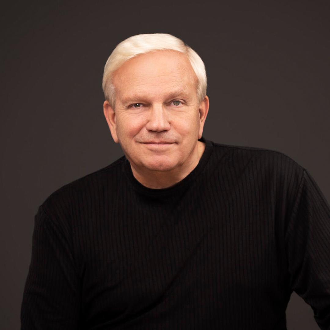 Photo of Dr. Ralph Plumb