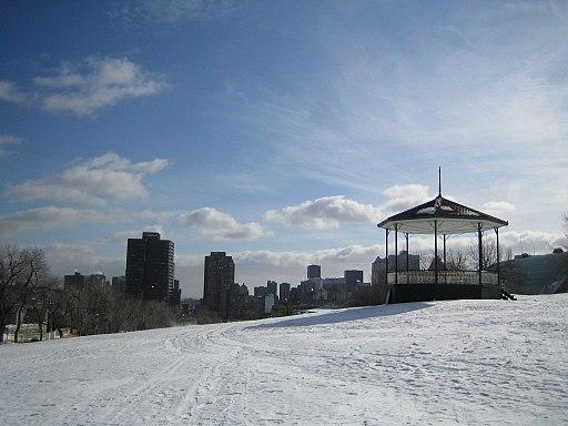 Parc du Mont-Royal, winter 07-02-2006, kiosque ou pavillon