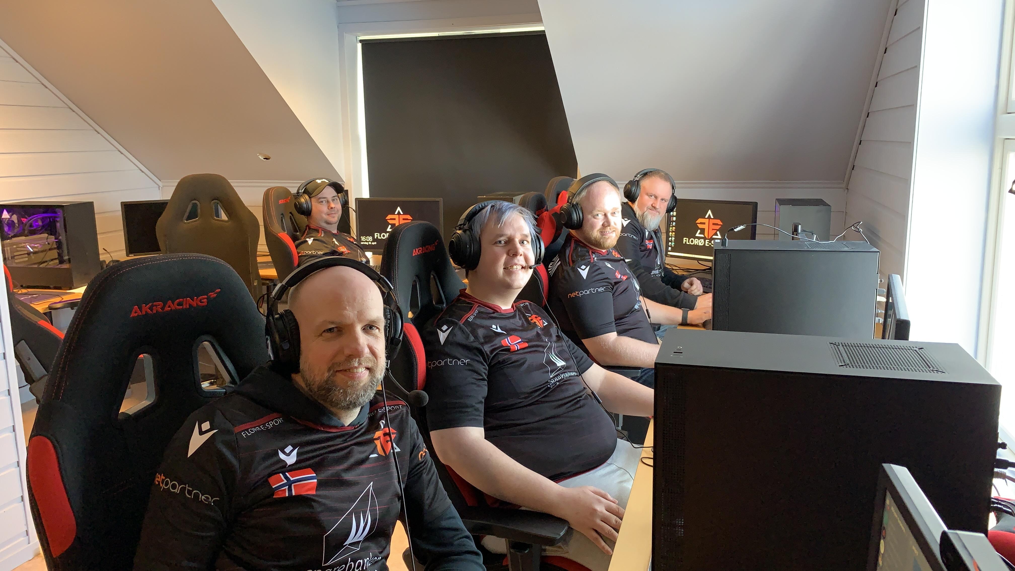 Gamere framfor PC