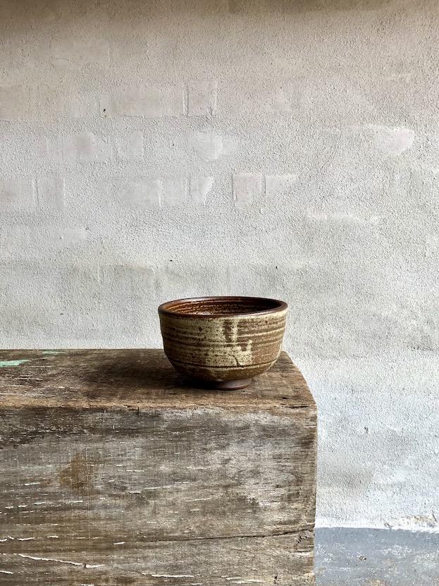 Rå og enkel japansk teskål. Stor.