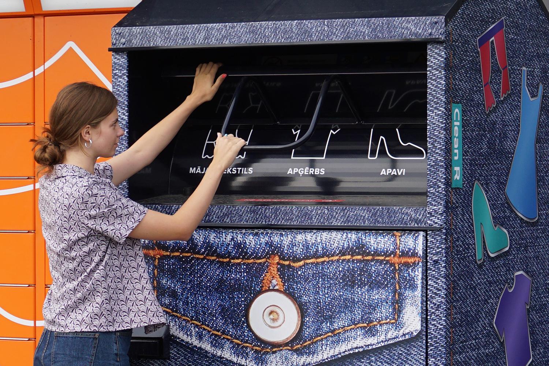 Clean R textile container