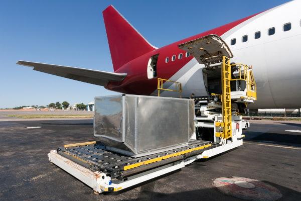 trasportare merci svizzera aereo